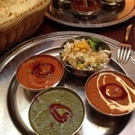 Indian Cuisine&Bar グランドダージリン  - 三種カレーとナン!