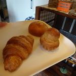 21697806 - 購入したパン