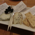柴田屋酒店 - チーズ三種