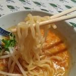 龍龍亭 - モッチリ、ツルツルの麺