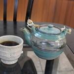 法楽屋 - 食後のほうじ茶