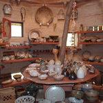壺小屋 - 店内の陶芸品