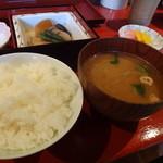 香の木 - 御膳のご飯・味噌汁