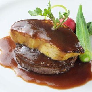 牛肉とフォアグラの重ね焼き''ロッシーニ''