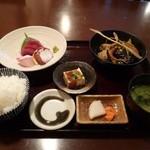 21722340 - 日替り定食 900円 (刺身三点・秋刀魚と秋野菜の揚げ出)