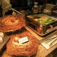 インターコンチネンタルホテル大阪-卵料理のコーナー。といってもこの巣で卵を産み落としていませんが。