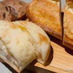 シェアードテラス - パンの盛り合わせ