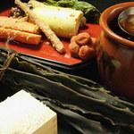 鶏味庵 - ★鶏味庵の釜めしは、米にまじめ、出汁にもまじめ。米はm岩手県暮坪産、出汁のベースとなる昆布は北海道産を使っています。