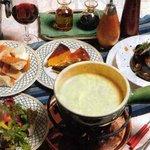 カフェブロッサム - スイスのチーズ使用のフォンディユ