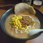 江戸前味噌ラーメン - 料理写真:北海道味噌ラーメン +チャーシュートッピング