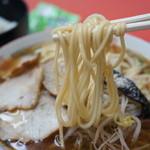 翁介 - 麺はご主人の手打ち、中太ストレート