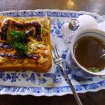 珈琲館 葡露灯 - トーストセットのツナトースト・スープ・エッグ