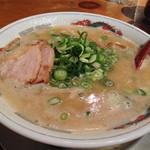 スープ食道 宝 - 極上鶏白湯ラーメン【680円】