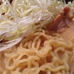 スープ食道 宝 - 黒潮ラーメン麺アップ
