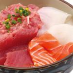 丼丸 - 魚の棚丼590円