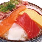 どんまる - 料理写真:満腹丼590円