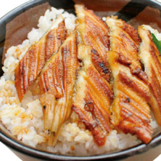 明石ならでは!ご当地丼やメガ盛り!海鮮丼まで人気メニュー多数★