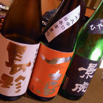 横浜くるわ - 日本酒は目の前に並べてくれます
