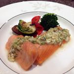 リュクセレ - «フランスレストランウィークメニュー»メインのノルウェーサーモンのコンフィ
