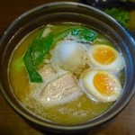 ひさし鍋焼ラーメン - 鍋焼らぅめん ¥800