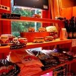 ケニーズハウスカフェ - ワーゲンバスなどの物品もオシャレ