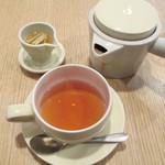 cafe Ginger - ドリンク写真:683えん ジンジャーティー 2013.9