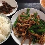 21762193 - 青椒肉絲定食¥600(水曜日)