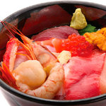丼丸 - 豪華海鮮丼13種盛 980円
