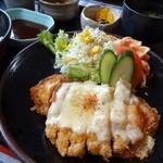 レストラン とまと - 豚ロースとベーコンのチーズ焼き(和風ソース)