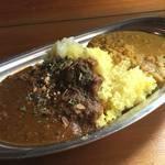 ラクダカレー - マトンキーマカリー&豆カリー