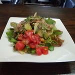 フォンテ・ディ・ディーオ - サラダ。こちらもトマトがいっぱいで美味しかったです。
