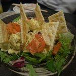 Tsunokuniya - チキンポテトサラダとクラッカー
