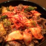 喜陽亭 - キムチ和牛肉丼