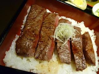 おんどる 小倉魚町店 - 【極ランプステーキ重】アップ♪