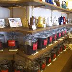 珈琲蔵人 珈蔵 - こちらは紅茶のコーナー