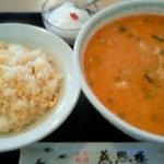 燕煕楼 - 担々麺と半炒飯