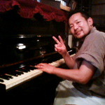 にこまん馬 - その他写真:店内にピアノ有♪(ちなみに店長はピアノ弾けませんw)