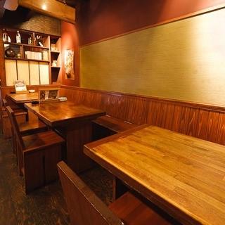 テーブル席(1階・最大12名様まで可)