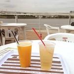エフカイビーチ - 海辺で休憩。マンゴービールとテキーラジンジャー♥