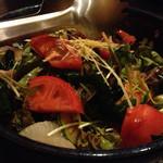 飛寅 - 料理写真:ひとらの彩りサラダ\800