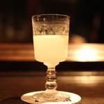 ル・パラン - ホワイトレディーをちょこっと飲んだら、美しい模様が出てきました (2013/10)