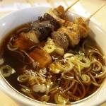 焼とり 福よし - 〆に「もつ串」2本入りの「そば」を食べる