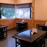 そば処 まつもと - 清潔で静かな店内はお蕎麦を楽しむには格好の環境です