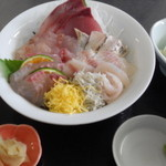うさみ茶屋 - 地魚海鮮丼1400円