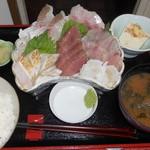 うさみ茶屋 - 地魚さしみ定食1400円
