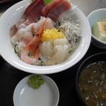 うさみ茶屋 - 海鮮丼1200円
