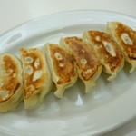 鉄飯碗餃子本舗 - 焼餃子