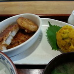 Dinig & Cafe LaLa - レンコンの肉詰め&かぼちゃサラダです。