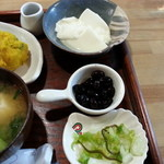 Dinig & Cafe LaLa - 黒豆&手作り寄せ豆腐です。