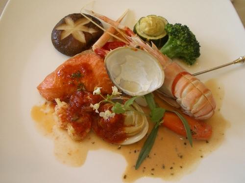 レストラン アンサンブル - 手長海老とノルウェー産鮭のムニエル